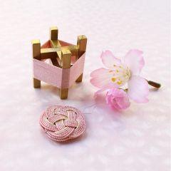 Cohana Sakura Mizuhiki Spule und Nadeleinfädler rosa – 1Stk